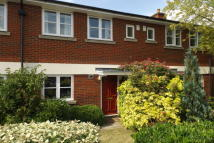 3 bed semi detached home in Cornes Close, Winchester