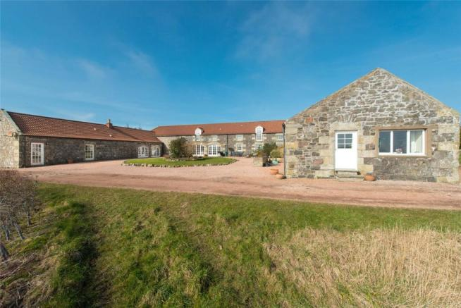 Lucklaw Steading