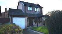 3 bedroom Detached property in Petersfield Close...