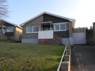 2 bedroom Detached Bungalow in Hamilton Road, Binstead...