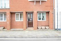 Ground Flat to rent in York Avenue, East Cowes