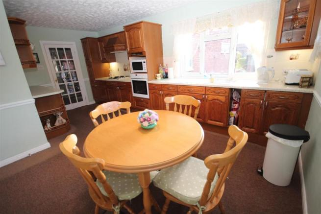4 Bedroom Detached House For Sale In Westbourne Road Hartlepool TS25