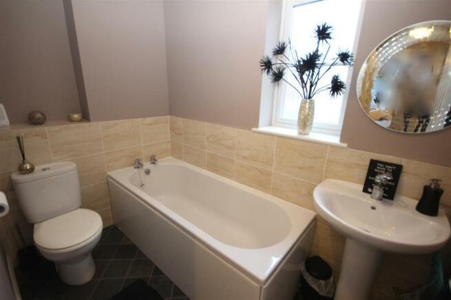 19 Speedwell Bathrm.JPG