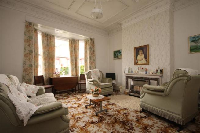 front lounge (1).JPG