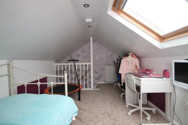 LOFT ROOM - ACCESS VIA BED 1.JPG