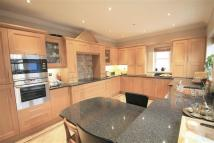 4 bedroom Detached house in High Street North...