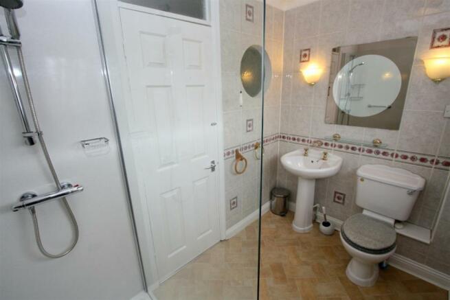 Shower Room/ W.C