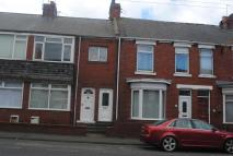 2 bed Apartment to rent in Station Avenue South...