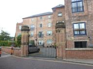 Flat to rent in Tuttle Street