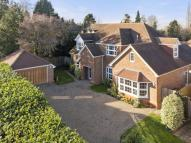 Detached house in Fetcham
