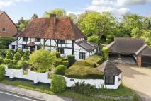 4 bedroom Detached property in West Horsley