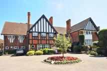 Flat for sale in Oxshott