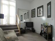 Flat to rent in Archway Road, N19