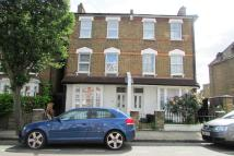 4 bedroom Apartment to rent in Shaftesbury Road, N19