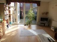 3 bedroom Apartment to rent in Mowatt Close, N19