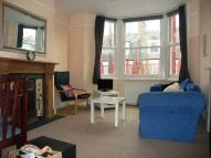 Flat to rent in Birnam Road N4