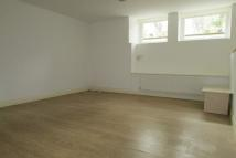 1 bedroom Ground Flat to rent in Mount View Road N4