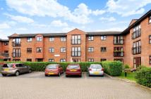 Flat for sale in Addlestone