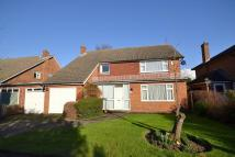 4 bedroom Detached house in Coombe
