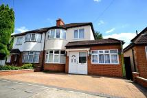 3 bedroom semi detached home in New Malden