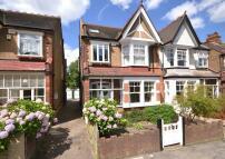 4 bedroom semi detached house in Beverley Park Area