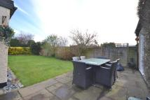 4 bedroom Detached Bungalow for sale in Addlestone