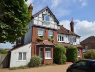 Flat for sale in Shepperton