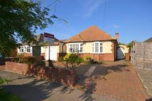 4 bedroom Detached Bungalow in Shepperton