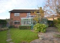 4 bedroom Detached property in Shepperton