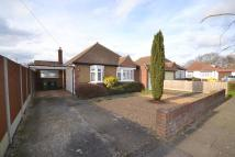 3 bedroom Detached Bungalow in Shepperton