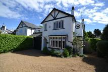 4 bedroom semi detached house in Upper Halliford
