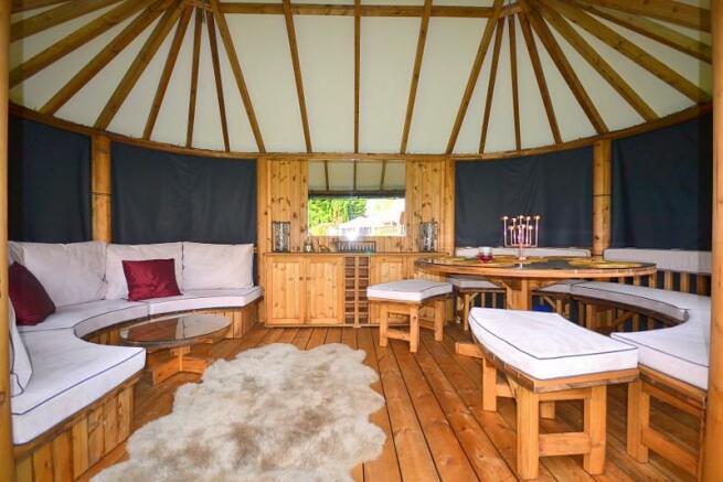 Breeze Hut
