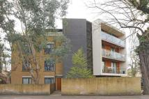 Flat for sale in Teddington