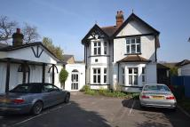 3 bed Flat for sale in Walton on Thames