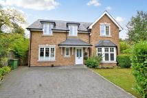 4 bedroom Detached property in Walton on Thames