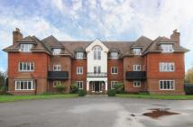 2 bed Apartment for sale in Pyrford