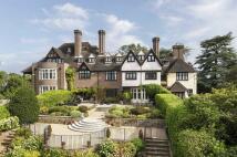 7 bed Terraced house for sale in Weybridge