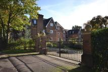 2 bedroom Apartment in Weybridge