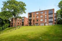 2 bedroom Flat to rent in Weybridge
