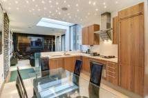 2 bedroom house to rent in Ennismore Gardens Mews...