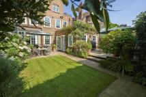 8 bedroom house in Mulberry Walk, SW3