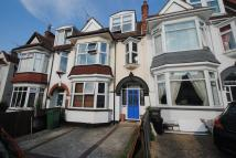 4 bed Terraced house to rent in Oakleigh Park Drive...