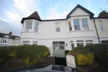 2 bed Flat to rent in Sunningdale Avenue...