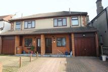 3 bed semi detached house to rent in Madeira Avenue...