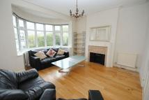 4 bedroom semi detached house in Ridgeway Gardens...