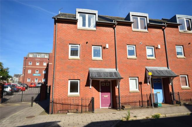 3 bedroom end of terrace house to rent in preston street for Terrace exeter