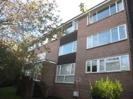 2 bedroom Flat to rent in Hillside Court...