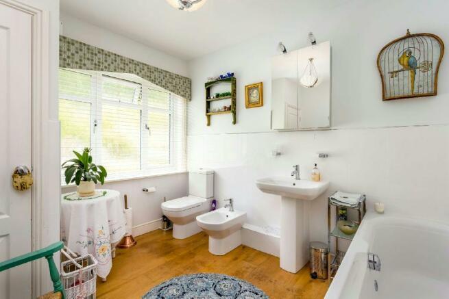 Spacious Luxury Bath