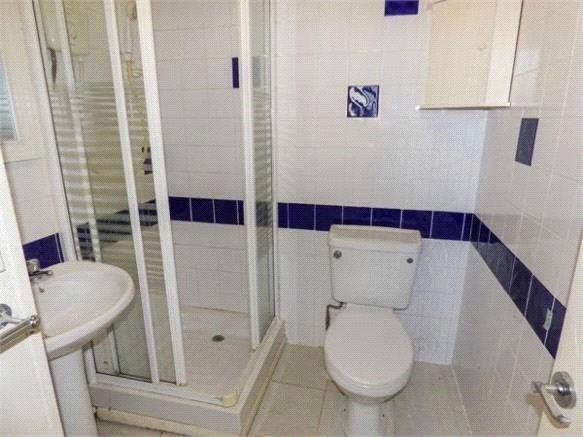 Bedsit Shower Room