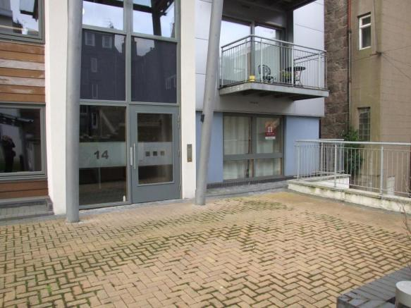 2 Bedroom Flat To Rent In Charlotte Street Aberdeen Ab25